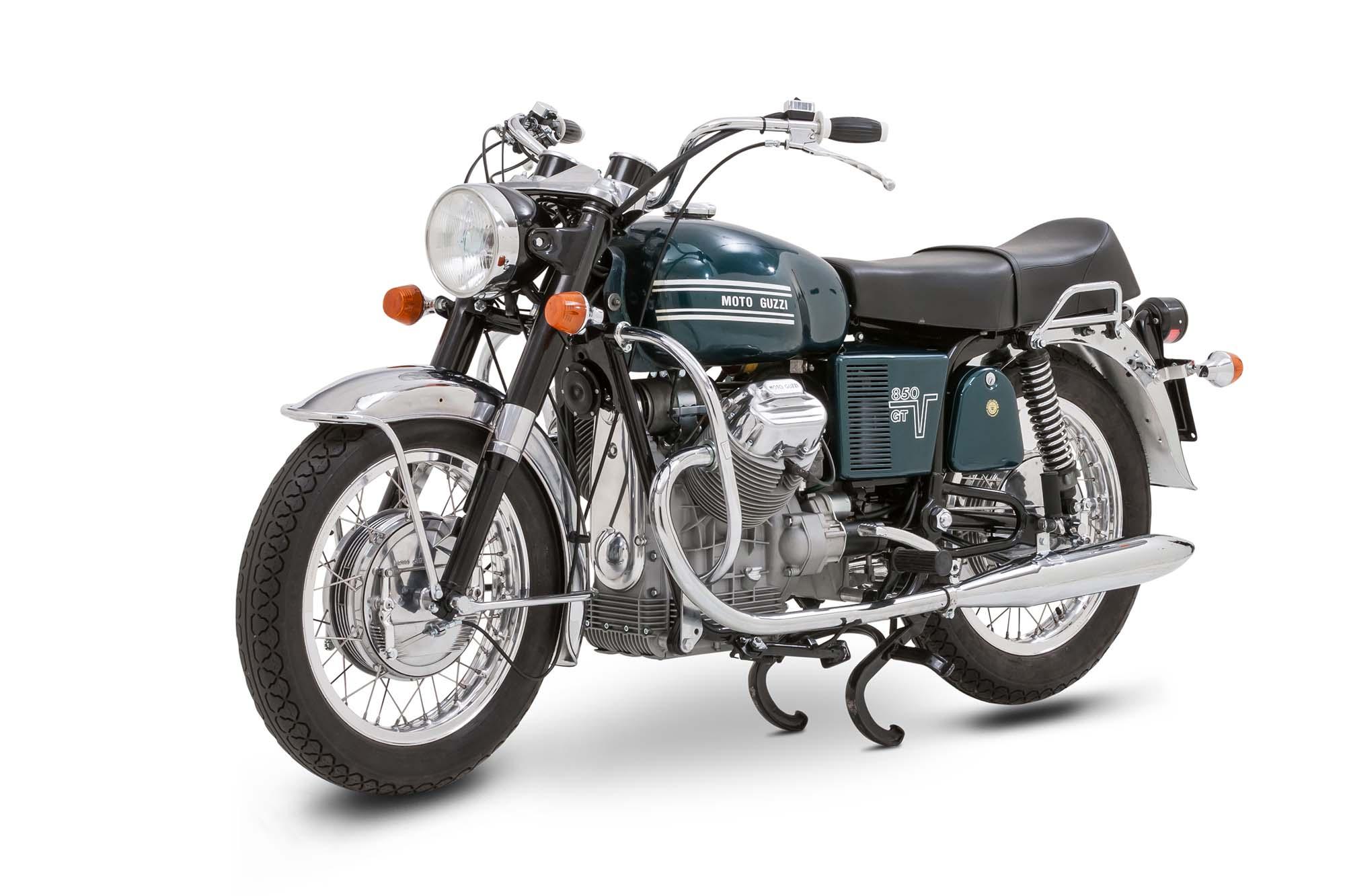 360 grad produkt einer echten moto guzzi v7 850. im braunschweiger 360 grad fotostudio können motorräder aller größen und gewichtsklassen in 360 grad fotografiert werden.