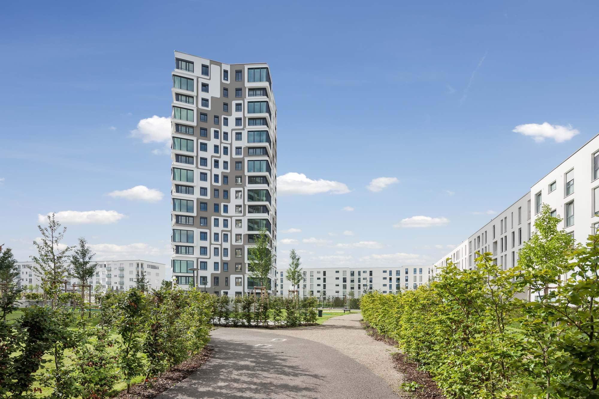 Architekturfoto in München. Hier das Gebäude namens Alpenglühen